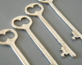 Shelley - Skeleton Keys - 4 x Antique Silver Keys Silver Skeleton Key Vintage Keys