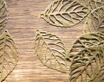 50 x Antiqued Bronze Leaves Vintage Filigree Brass Thin Leaf Pendants 23.5x14mm
