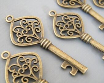 Lee - Skeleton Keys - 4 x Skeleton Key Antique Keys  Bronze Vintage Heart Keys Old Skeleton Key Set