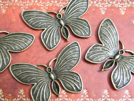 5 x Antiqued Brass Butterfly Charms 40x27mm