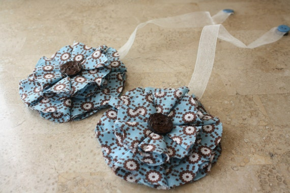 Blue Brown & White Magnetic Tie Backs Fabric Flowers