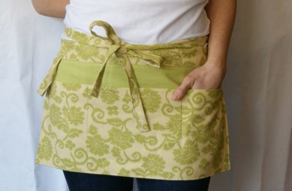 Half Apron with pockets and loop in lime green and cream floral