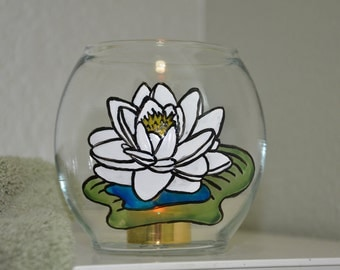 Water Lilly Handpainted 4 1/2 inch Rose Bowl