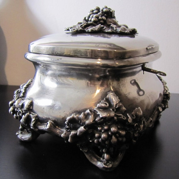 DECORATIVE / JEWELRY BOX :  Estate  Antique , Beautifuly Crafted in 925 Silver / Gold Treasury, Jewelry Box
