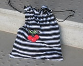 Shoe storage bag from recycled tee shirt