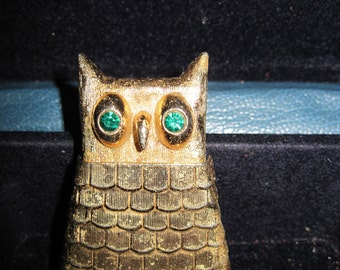 Vintage Jeweled Owl Pin Perfume Glace 1969 Avon......#320.....ON SALE !!!