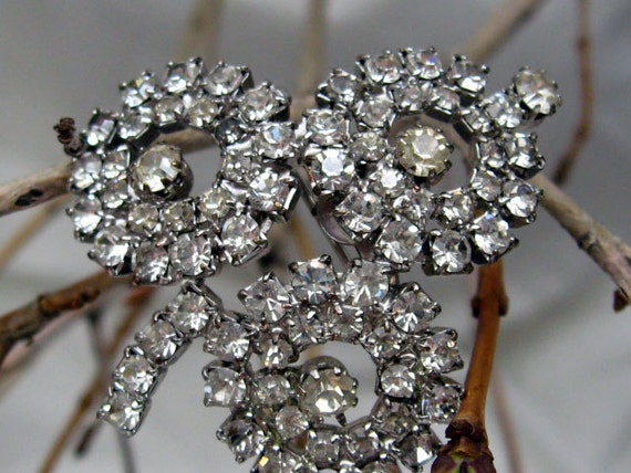 Vintage Super Lucky 3 Leaf Clover Silvery Clear Rhinestone Pin  Bridal Brooch Sparkle Galore