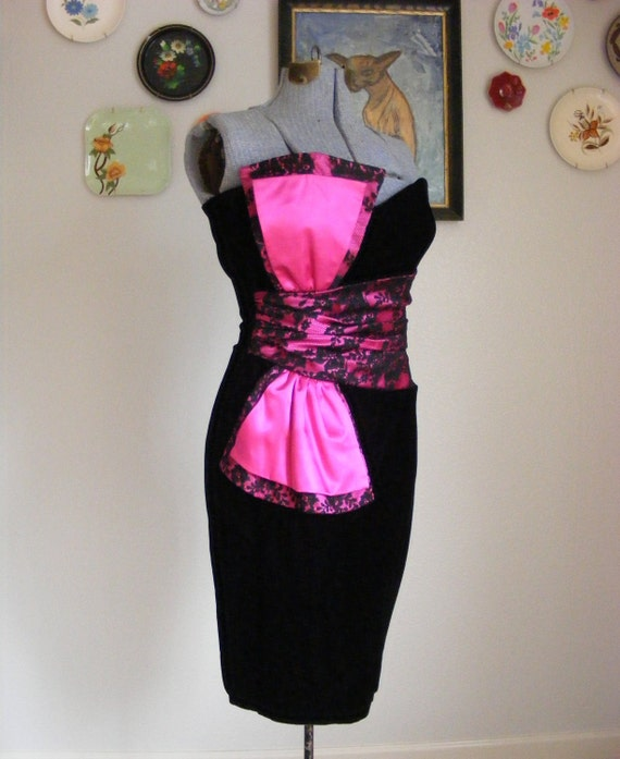 RESERVED - 80s Gunne Sax Black and Magenta Velvet and Lace Statement Dress S - PRICE REDUCED