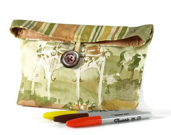 Purse/  Pouch/ Cotton Button Clutch/ Robert Allen Fabric/  Makeup Bag/ Black Friday/ Ready To Ship