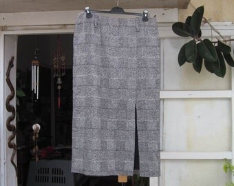 80's Long Classic Tweed Woolen Skirt - Large