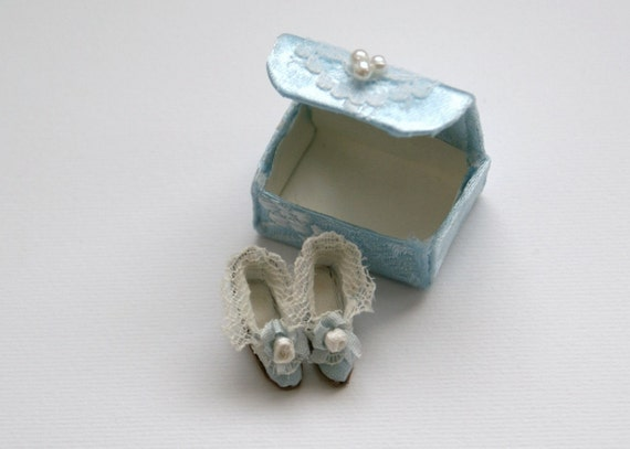 Miniature shoes -  Eighteenth century style - light blue with white lace and rose