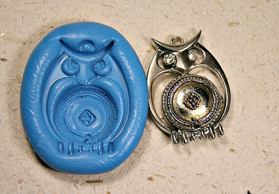 SALE: owl, push mold, flexible silicon mold, for charm, mini food, candy, soap, wax,polymer clay, metal clay,(ma33)