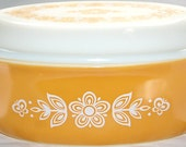 Pyrex - Casserole Dish with Decrotive Lid -Cinderella Oval - Golden Butterfly Design