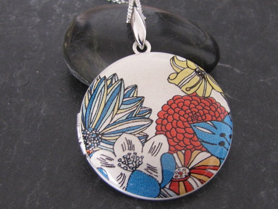 Colorful garden - Silver plated photo Locket