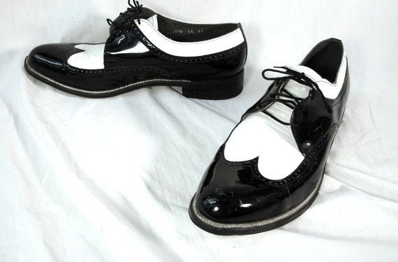 vintage 1980s mens wing tip oxford shoes black and white 13