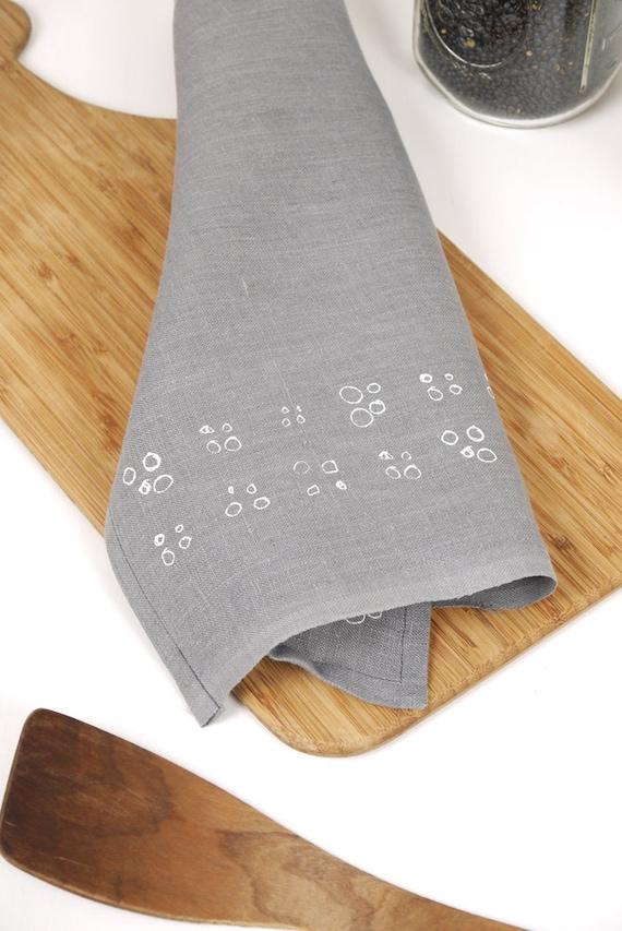 4 circles, grey linen tea towel, white