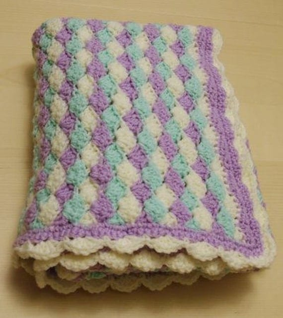 Shell pattern baby afghan