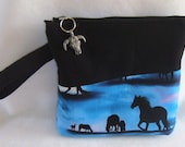 Western Wristlet with interior pockets