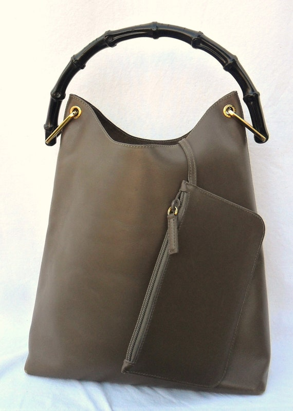 Reserved///Authentic GUCCI TOM FORD Era 90's Bamboo Handle Hobo Leather Feed Bag  Gorgeous Olive