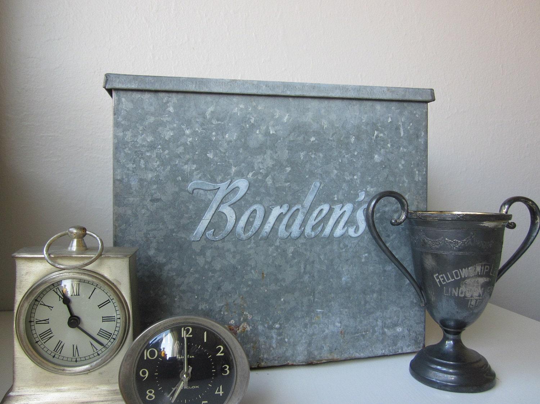 vintage metal milk box by housewarming101 on etsy. Black Bedroom Furniture Sets. Home Design Ideas