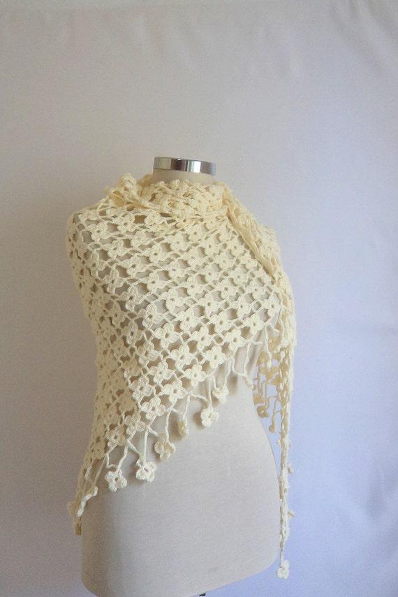 FREE SHIP  crochet  Ivory shawl scarf FASHION wedding,bride,bridial,capelet,collar,cowl,