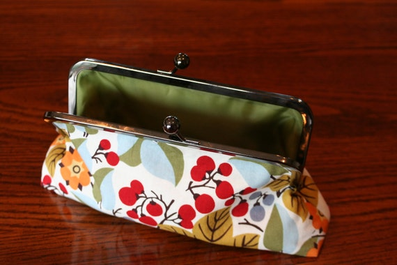 Kisslock clutch purse, Fall Foliage w/ olive lining