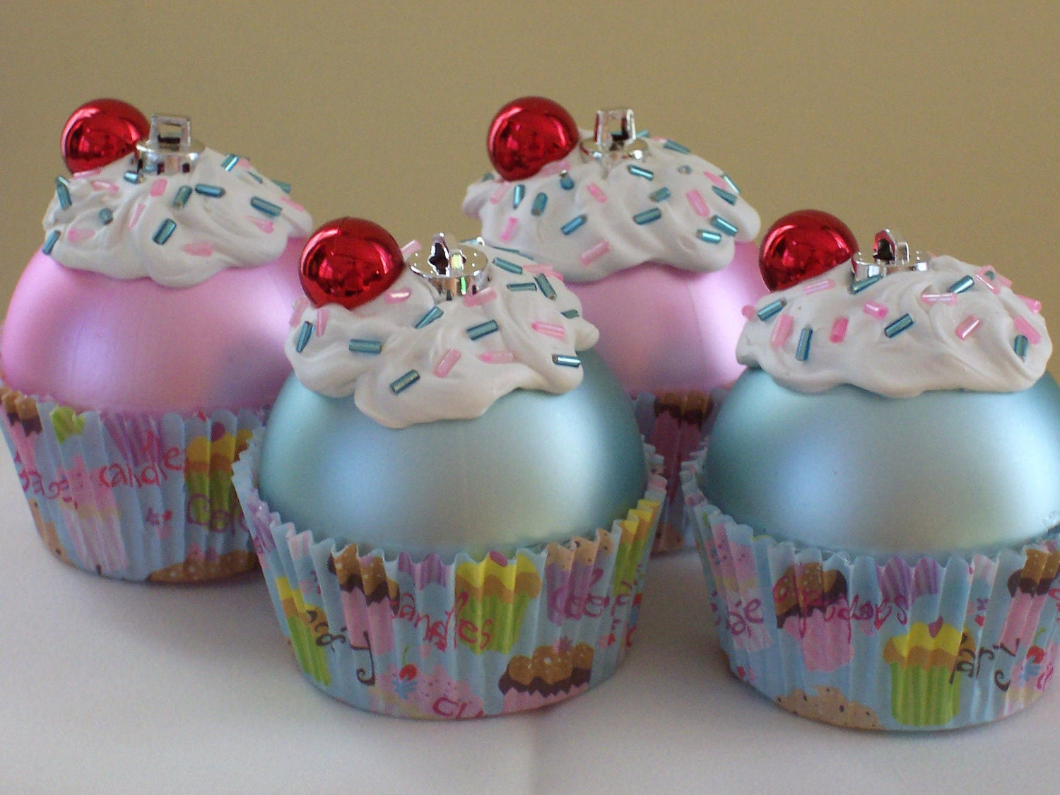Christmas Decorations Cupcakes Easy : Chandeliers pendant lights