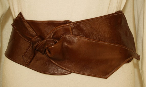 Brown Leather Belt with Abstract Bow