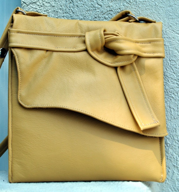 Yellow Leather Pouch Shoulderbag
