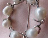 Coral Wreath w 7 WHITE pearls