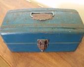 Vintage Metal Teal Toolbox w/ Sliding Trays.