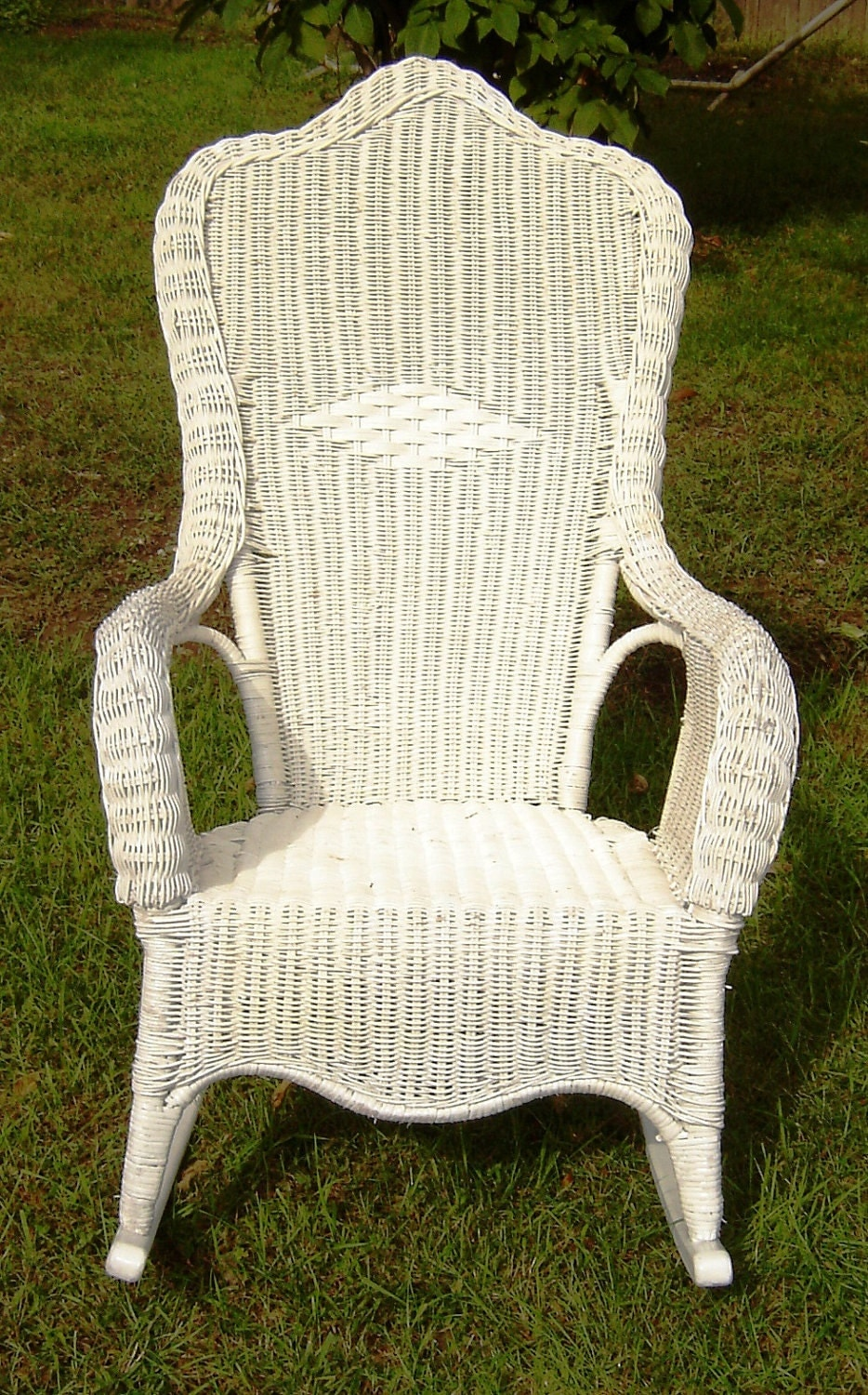 vintage white wicker rocking chair. Black Bedroom Furniture Sets. Home Design Ideas
