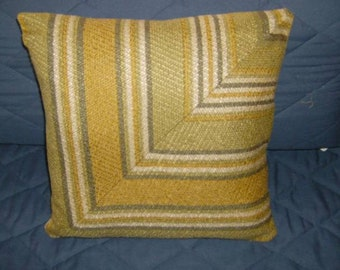15 x 15 Beautiful Shades of Green and Gold Throw Pillow Cover