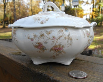 VINTAGE Johnson Brothers England Sauce Boat With Lid