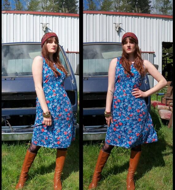 SALE vtg 90s does 60s MOD DAISY floral mini dress, xs - s
