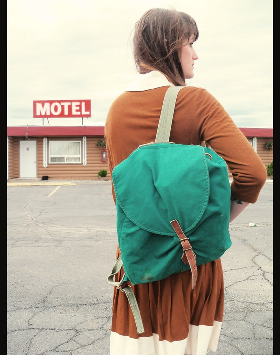 LL Bean Canvas and Leather Rucksack Backpack Drawstring Bag in Bottle Green
