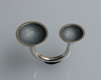 "Adjustable silver ring"" 2cups"" black (oxidized)"