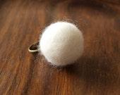 Chunky Felt Ring - White