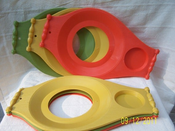 Vintage set of 6 colorful  plastic stackable lap snack trays