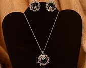 Sarah Coventry Necklace And Earrings Faux Emerald Rhinestones