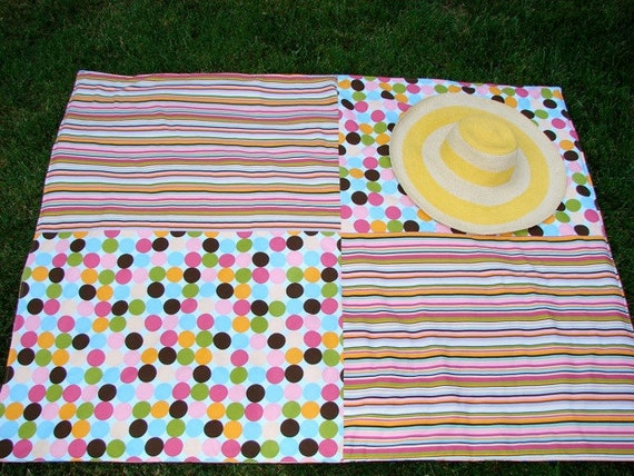 Picnic Blanket in Polka Dot Stripe Popsicle for Outdoors Beach Fun