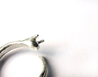 Adjustable Silver Slug Ring Creepy Crawly