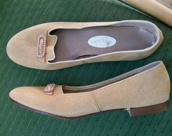 1950s Vintage Tan Suede Flats 6 Almost New Condition