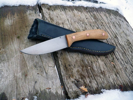 Hand Forged Knife: 1084/ Beech