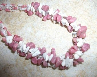 howlite and rhodonite chips spiral necklace