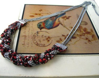 Spicy Black & white, crimson red spotted silver braided necklace