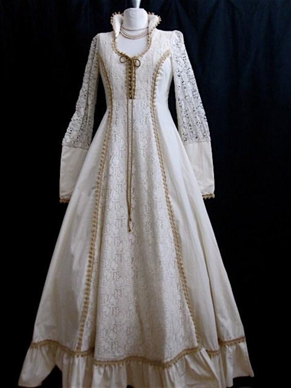 Vintage 1970s Gunne Sax Renaissance Cream Illusion Lace Sleeves Macrame Corset Princess Collar Full Skirt  Boho Prom Wedding Gown S/M 34