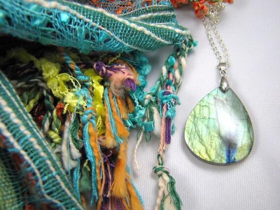 beautiful labradorite gemstone necklace