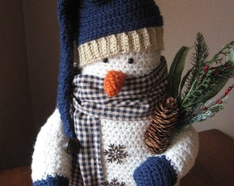 Crocheted Snowman/Country/Primitive Decor
