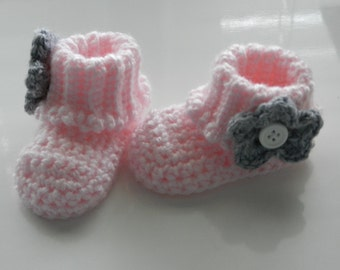 Crocheted Baby Booties/Flower Style